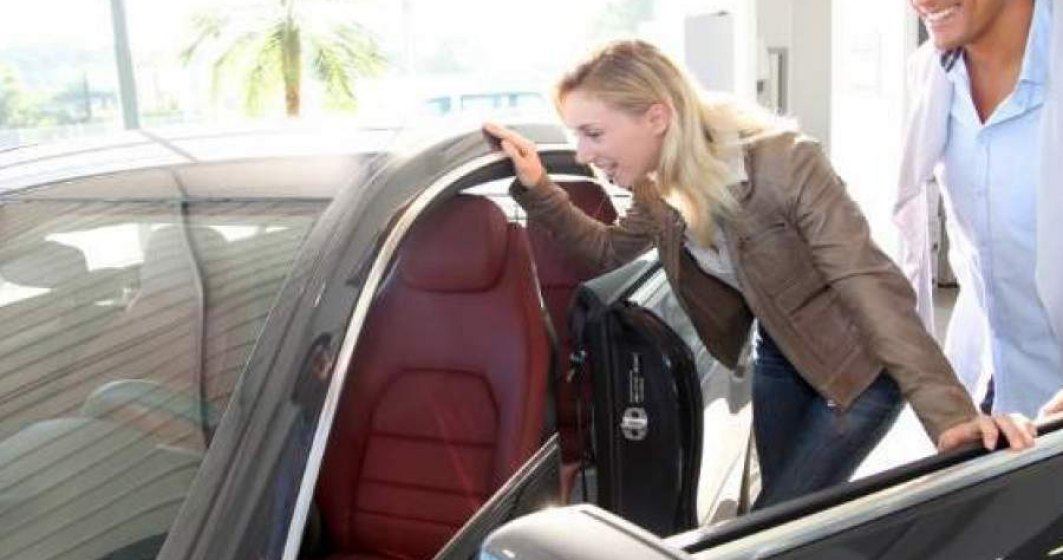 Înmatriculările de autoturisme noi au crescut cu 80% în septembrie