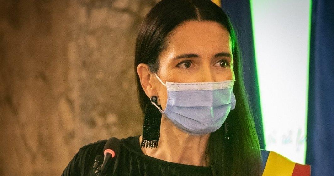 Clotilde Armand: Primăria Sectorului 1 va asigura măști și dezinfectant în școli