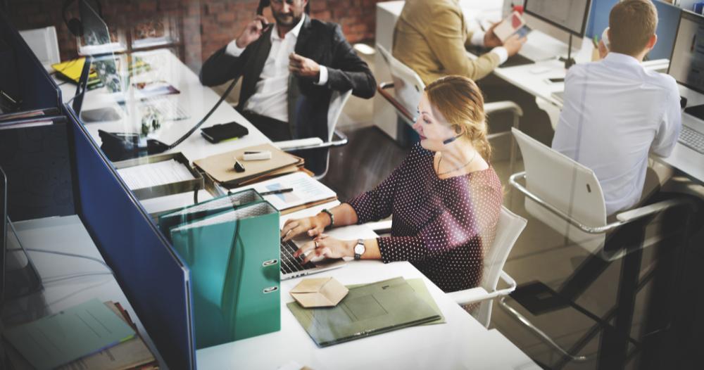 Serviciile prestate pentru întreprinderi au crescut simțitor în primele opt...