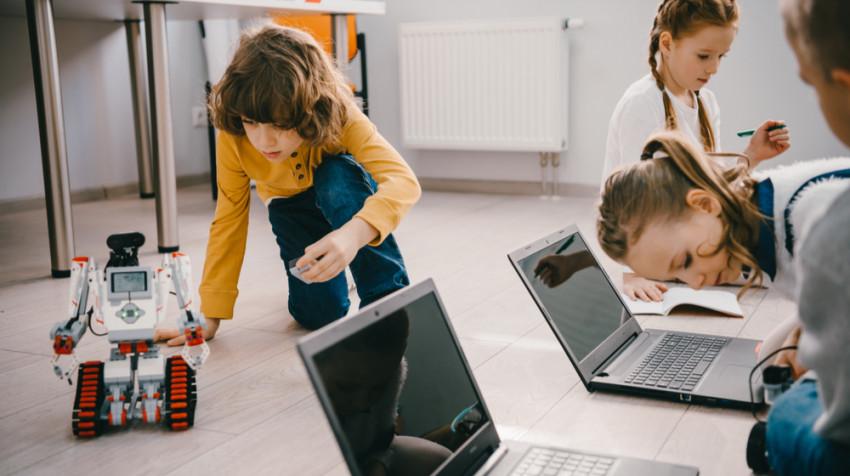 Meserii de viitor. Ce pot învăța copii la școală, încă din primii ani de viață