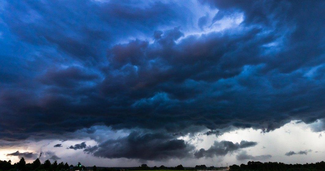Prognoza meteo în țară. Vara începe cu ploi torențiale, vijelii și grindină în întreaga