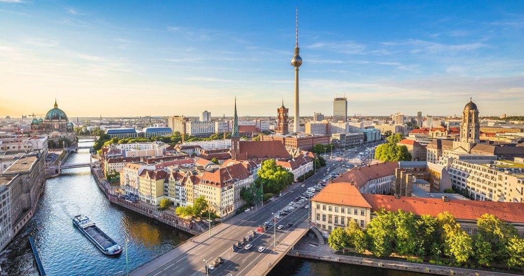 Protest împotriva izolării în Germania: sute de persoane au luat parte la demonstrații în Stuttgart și Berlin