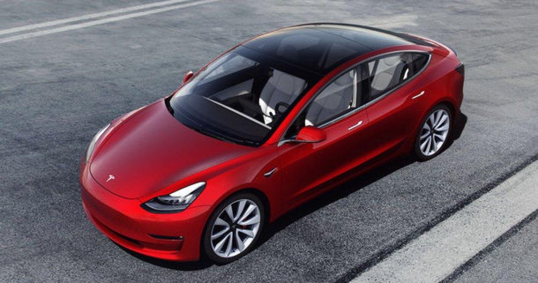 Tesla Model 3 a devenit cea mai vanduta masina electrica din lume: sedanul american a depasit Nissan Leaf