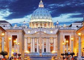 Vaticanul cere certificatul de vaccinare turiștilor, dar NU și...