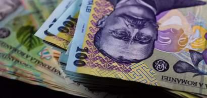 Guvernul continuă să facă împrumuturi mari