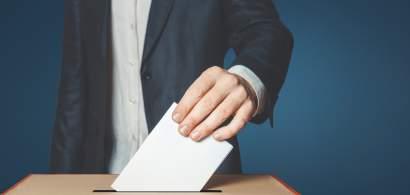 Alegeri parlamentare anticipate în Republica Moldova. Moldovenii aleg între...