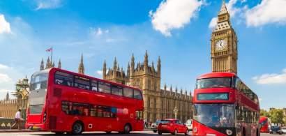 Salariu de 5.000 de lire sterline pentru taximetriști: o firmă londoneză...