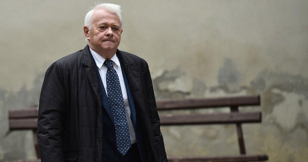 Surse: Viorel Hrebenciuc a ajuns în arestul poliției și urmează să fie încarcerat