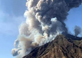 VIDEO   Vulcanul Etna a erupt din nou