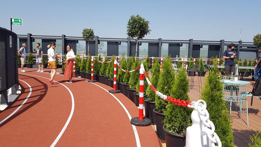 pista de alergare pe acoperiș