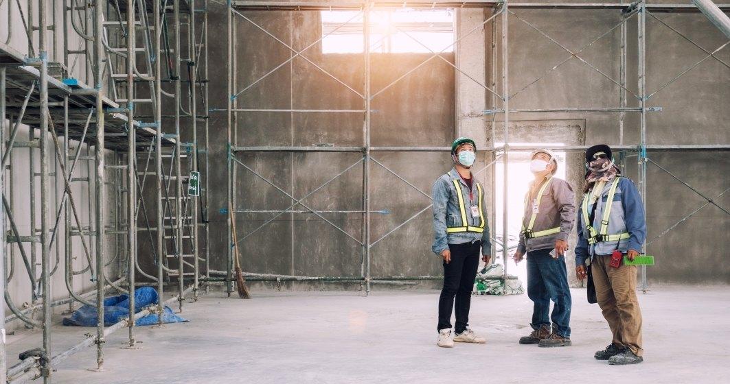 """Constructorii: Santierele din Bucuresti vor functiona """"pana in ultima clipa"""". Daca se prelungeste criza vor fi consecinte majore"""