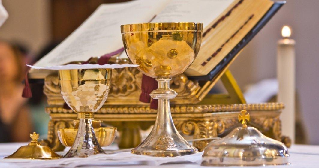 Cum se vor desfășura slujbele religioase în interiorul bisericilor