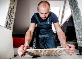 Mai puțină muncă la negru: Meșterii români care lucrează cu ziua vor fi...