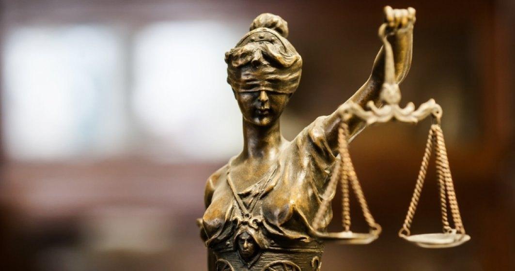 Decizia CCR: Peste 600 de procurori si 100 de judecatori au semnat o declaratie de independenta/ Toader ii acuza de presiuni