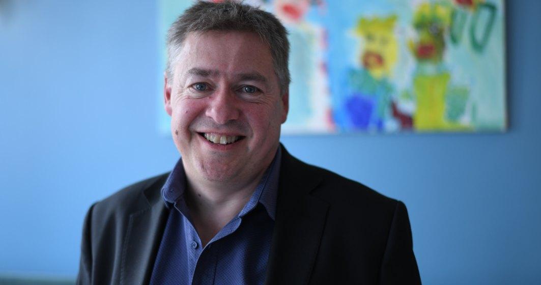 La pranz cu Adrian Peake, CEO-ul care se transforma in weekend in turist