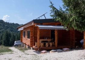 FOTO | TOP zece cabane de închiriat la munte, în România