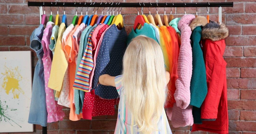 Parintii cheltuie cel mai mult pe imbracaminte pentru copii