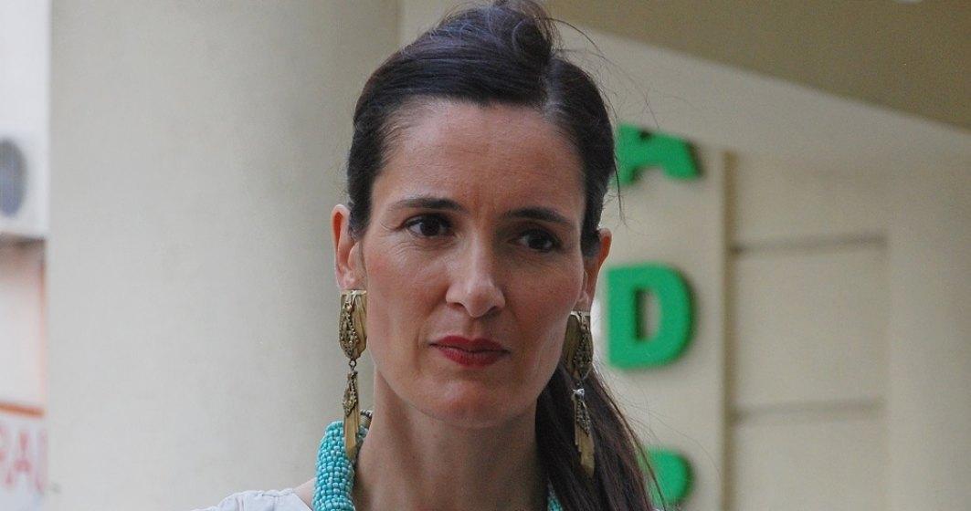 Clotilde Armand îi va face plângere penală directoarei ADP Sector 1. Folosea utilaje și muncitori pentru a-și construi o anexă la vila ei