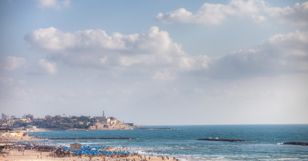 """Toate plajele din Tel Aviv au primit distinctia """"Blue Flag"""". Autoritatile se..."""