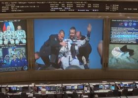 Echipajul rusesc care a realizat primul film în spațiu a revenit pe Terra