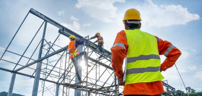 INS: Construcțiile, comerțul cu amănuntul și serviciile vor avea creșteri în...