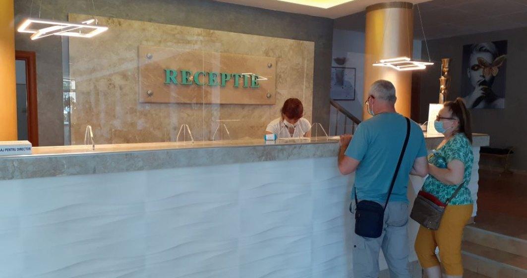 FOTO REPORTAJ | Ce măsuri de protecție găsesc turiștii în hotelurile din Mamaia