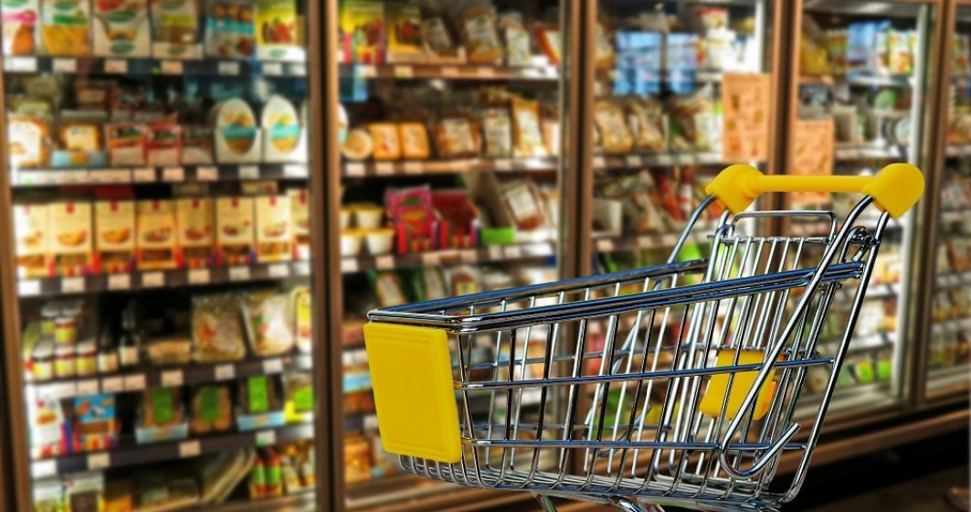 Prefectul Capitalei: În marile magazine - 7 metri pentru fiecare persoană