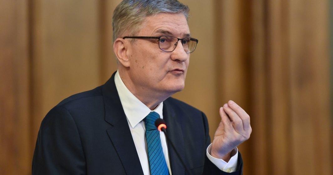 Dăianu: salariul minim trebuie să crească, altfel românii pleacă. Dacă nu creșteau salariile medicilor, era nenorocire