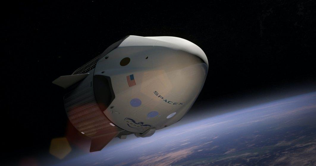 VIDEO  Elon Musk a trimis primii turiști ai companiei SpaceX în spațiu