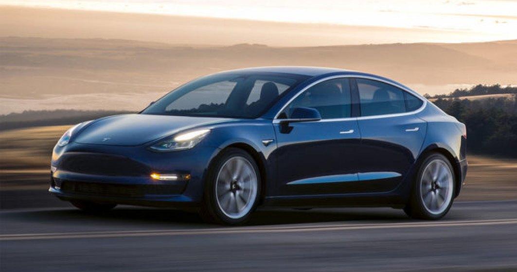 Tesla va introduce noi functii autonome pentru Autopilot: lansarea este programata pentru luna august
