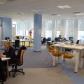 Noul sediu Flanco: Fotografii ale angajatilor, pe sigla gigant a companiei - Foto 3