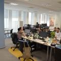 Noul sediu Flanco: Fotografii ale angajatilor, pe sigla gigant a companiei - Foto 4
