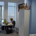 Noul sediu Flanco: Fotografii ale angajatilor, pe sigla gigant a companiei - Foto 11