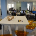 Noul sediu Flanco: Fotografii ale angajatilor, pe sigla gigant a companiei - Foto 14