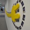 Noul sediu Flanco: Fotografii ale angajatilor, pe sigla gigant a companiei - Foto 16