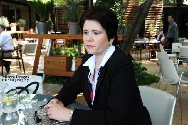 Lunch cu cel mai curajos CEO din asigurari: Despre leadership, viata de expat si calatorii - Foto 2 din 8