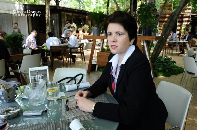Lunch cu cel mai curajos CEO din asigurari: Despre leadership, viata de expat si calatorii - Foto 3 din 8