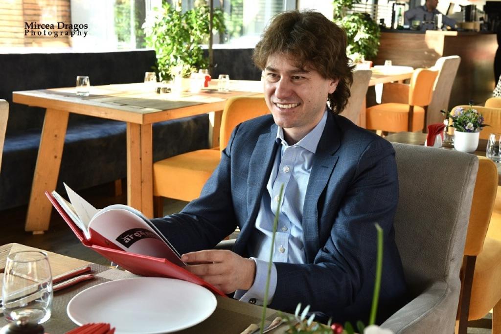 Lunch cu Stefan Nanu, seful Trezoreriei romane: drumul din tribunele Giulestiului, la masa directorilor Bancii Mondiale - Foto 3 din 10