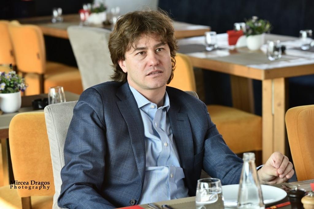 Lunch cu Stefan Nanu, seful Trezoreriei romane: drumul din tribunele Giulestiului, la masa directorilor Bancii Mondiale - Foto 5 din 10