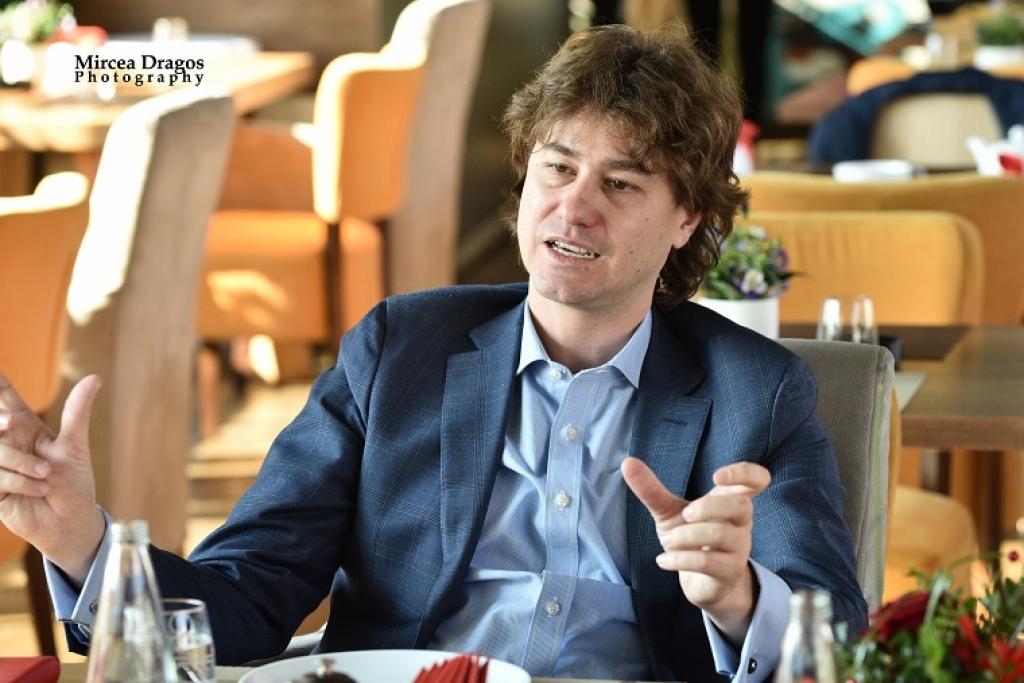 Lunch cu Stefan Nanu, seful Trezoreriei romane: drumul din tribunele Giulestiului, la masa directorilor Bancii Mondiale - Foto 7 din 10