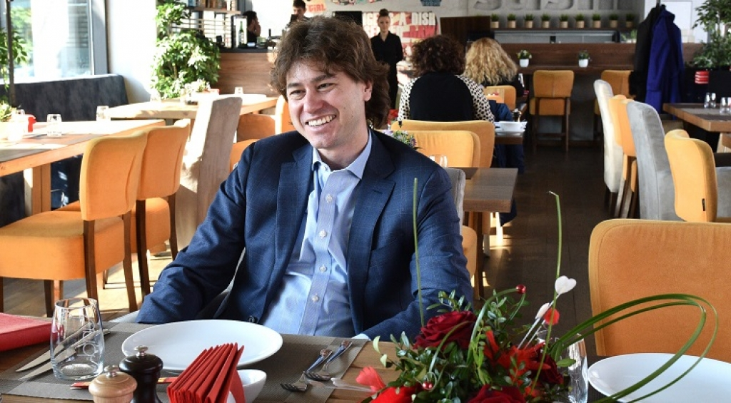 Lunch cu Stefan Nanu, seful Trezoreriei romane: drumul din tribunele Giulestiului, la masa directorilor Bancii Mondiale - Foto 10 din 10