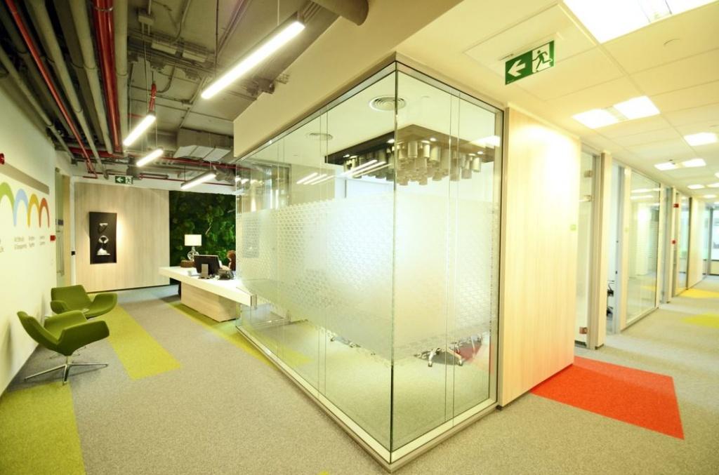 Cum arata birourile in care toate materialele folosite la constructie se imbina: in vizita la sediul Skanska din nordul Capitalei - Foto 1 din 7