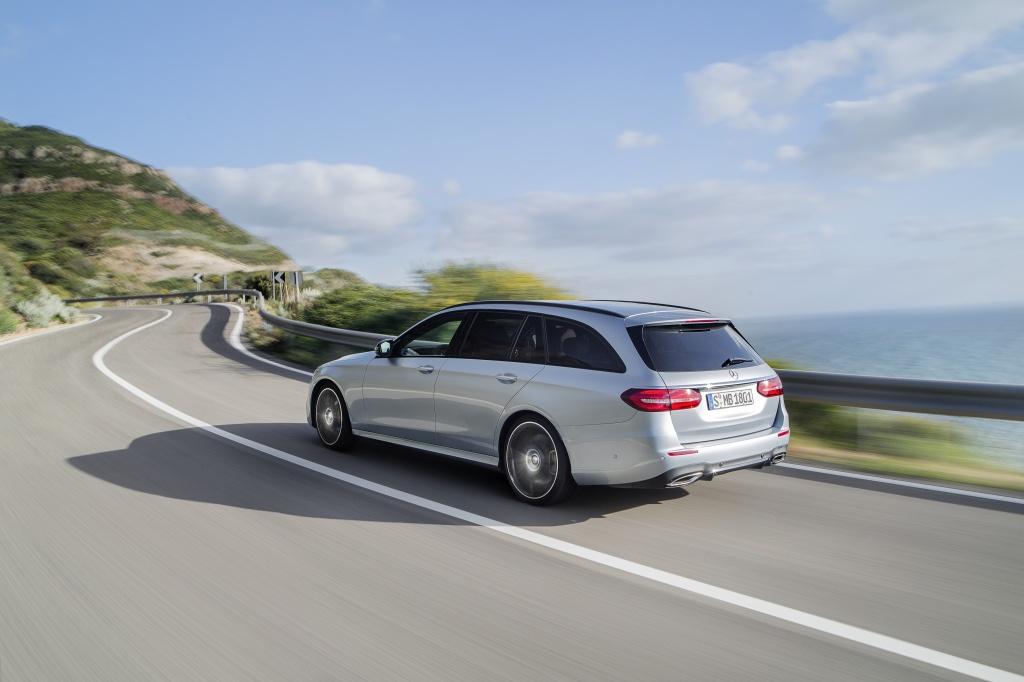 Mercedes-Benz a prezentat in premiera mondiala noua Clasa E Estate - Foto 18 din 27