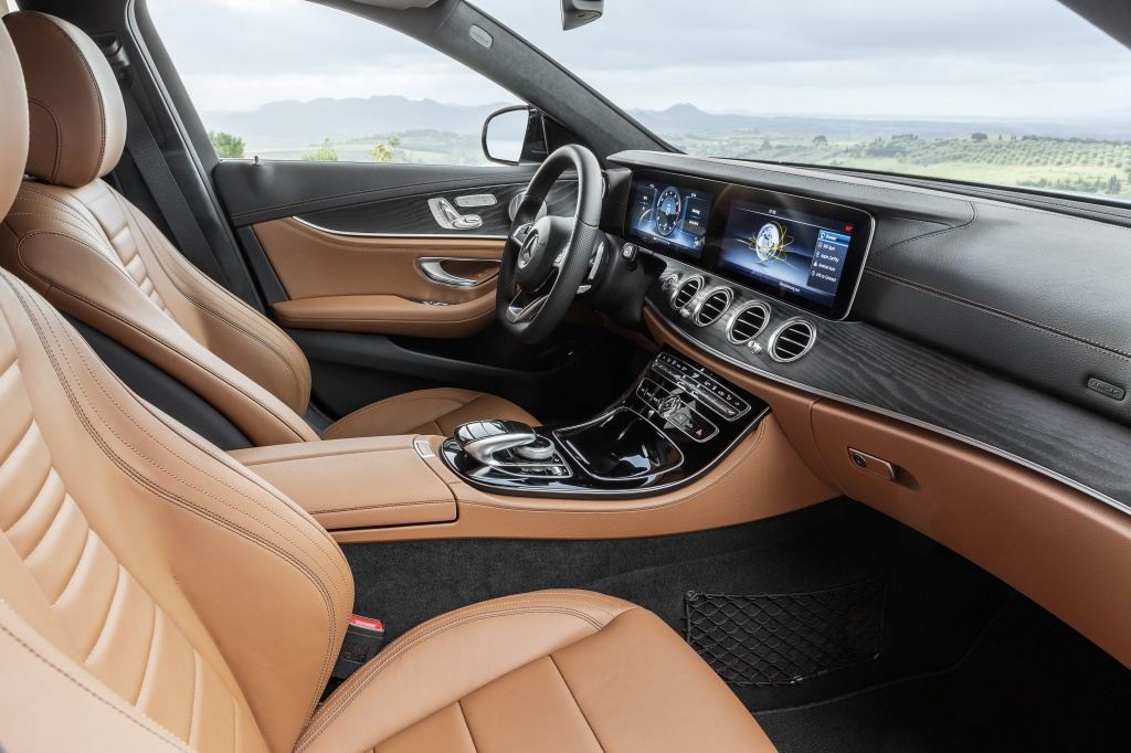 Mercedes-Benz a prezentat in premiera mondiala noua Clasa E Estate - Foto 22 din 27