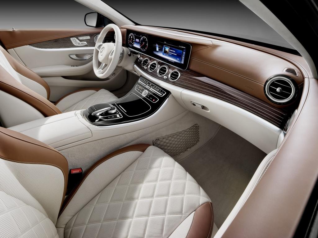 Mercedes-Benz a prezentat in premiera mondiala noua Clasa E Estate - Foto 23 din 27