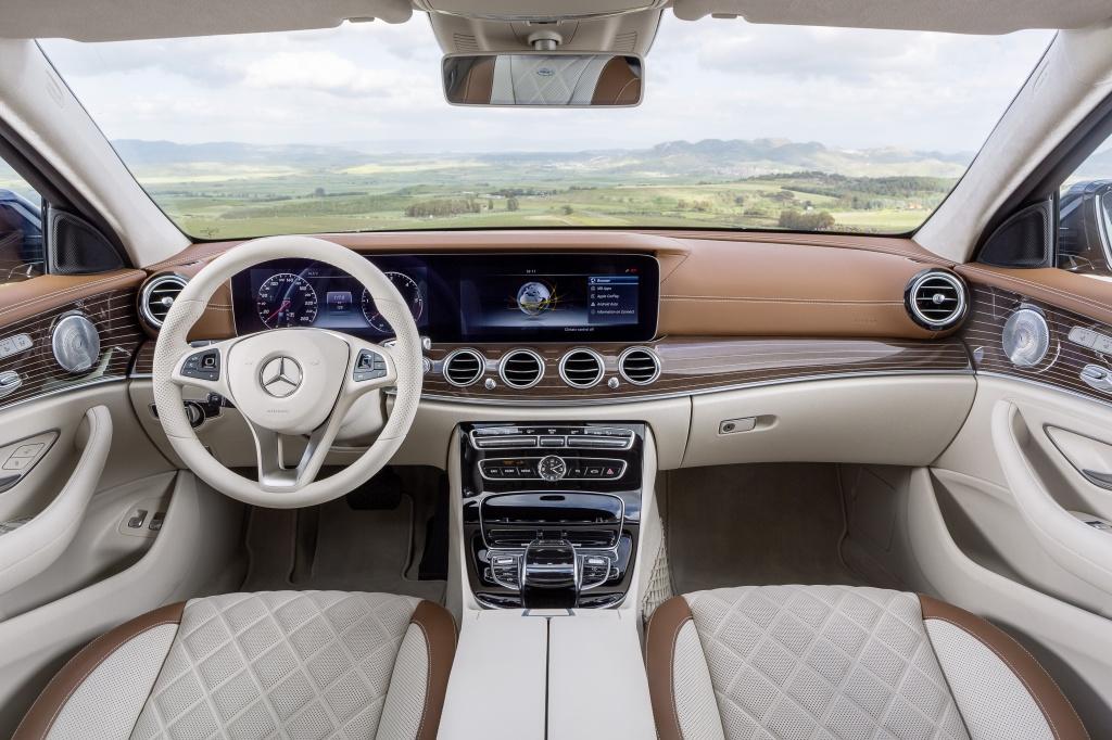 Mercedes-Benz a prezentat in premiera mondiala noua Clasa E Estate - Foto 27 din 27