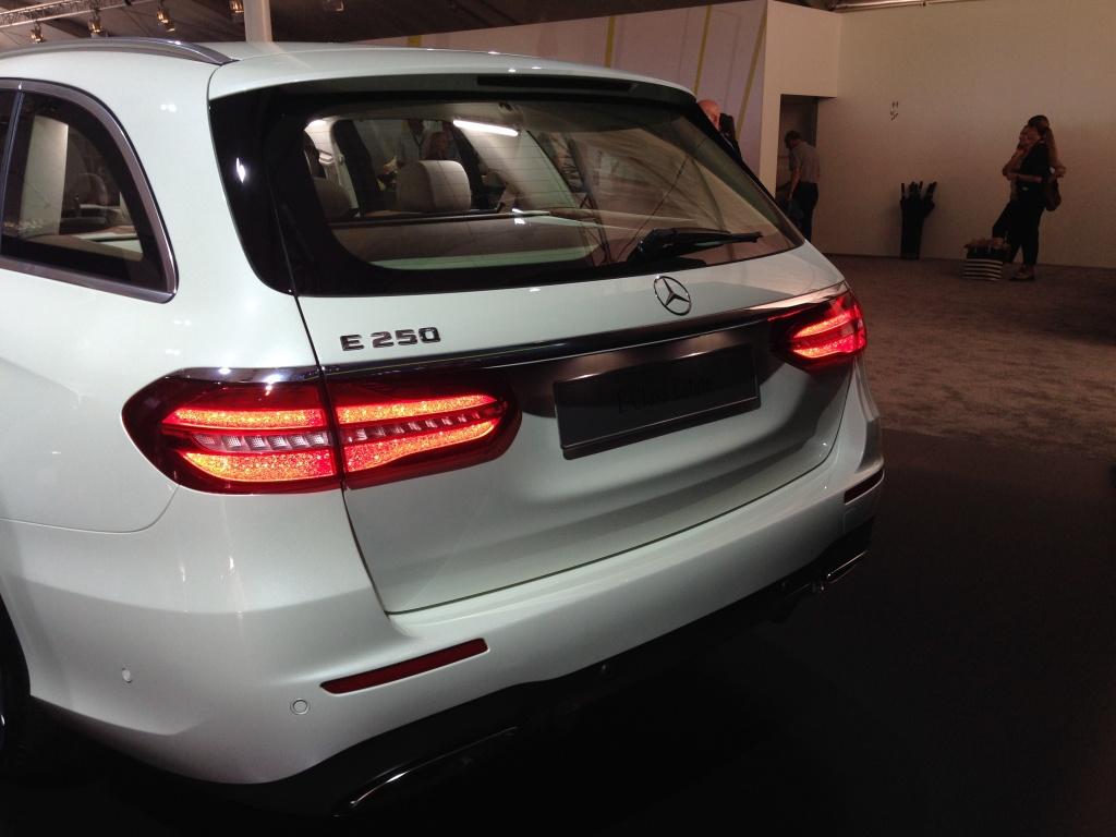 Mercedes-Benz a prezentat in premiera mondiala noua Clasa E Estate - Foto 13 din 27