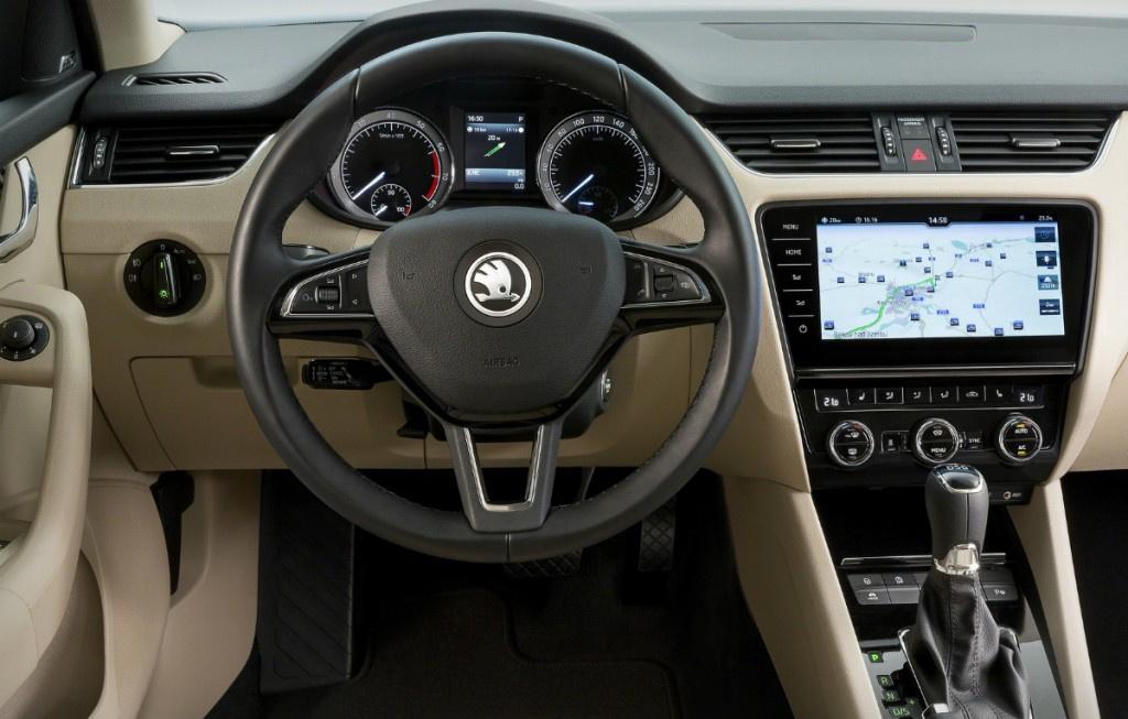 Skoda a prezentat primele imagini cu Octavia facelift sedan si estate - Foto 4 din 4