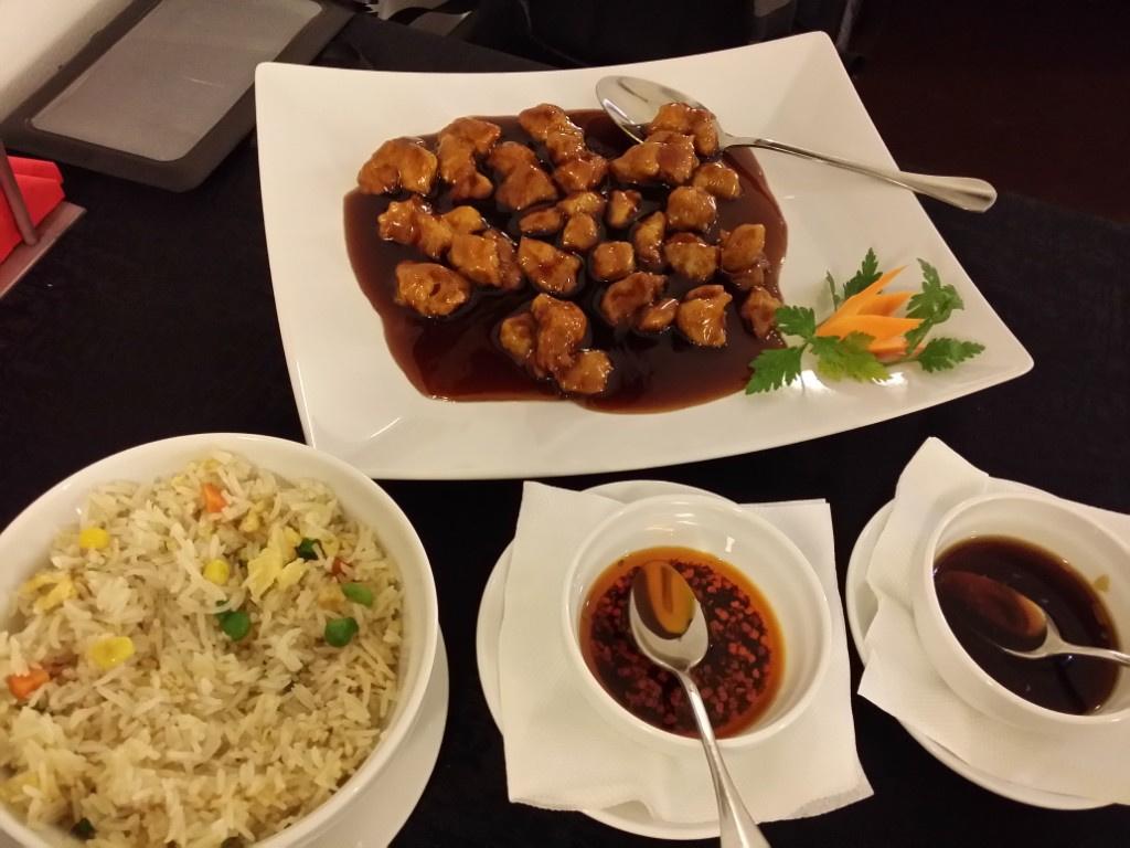 Review George Butunoiu: Cel mai bun si mai frumos restaurant chinezesc de pana acum - Foto 9 din 10