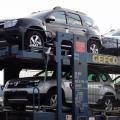 Afla cum isi transporta Dacia automobilele de la Mioveni si cat plateste pentru acestea - Foto 17